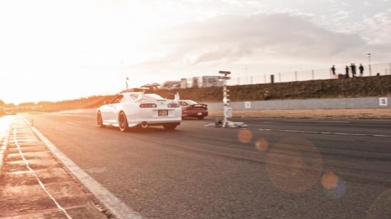 1/4 Meile Toyota Supra MKIV vs. Mazda RX7